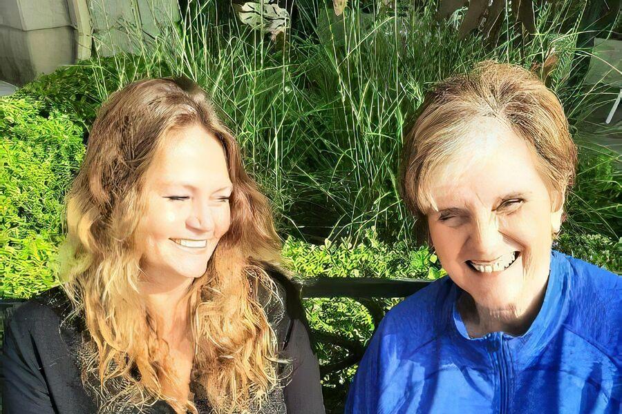 Eileen Heasley & Nikki Beetsch